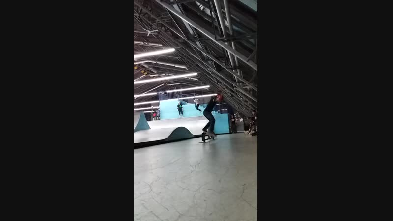 Рамзес на скейте - fs 50-50 on a round rail 17.10.2018
