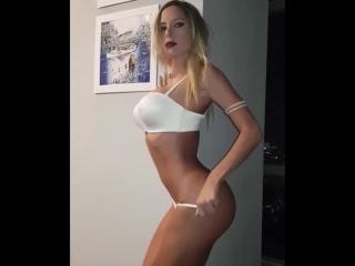 Сексапильная няшка (порно, секс, эротика, попка, booty, anal, анал, сиськи, boobs, brazzers)
