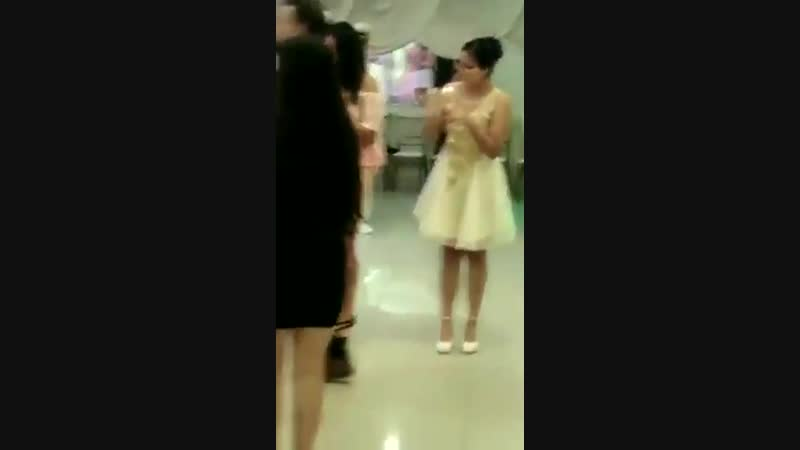 271118 This girl used Epiphany as her Quinceañera entrance song