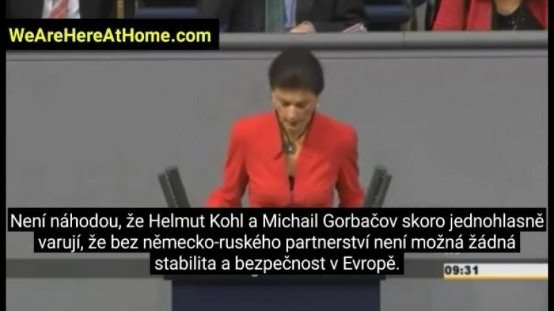 Takýto klystír Frau Merkel určite nečakala.