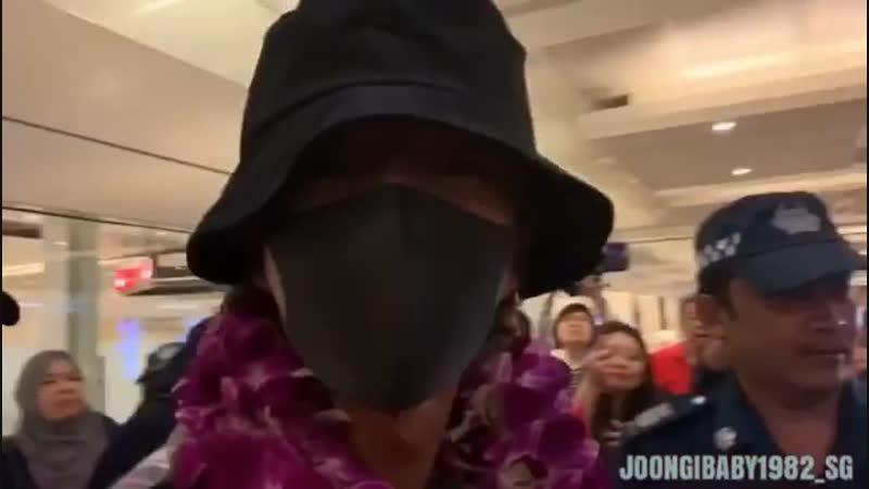 2018.12.21 IG прибыл в Сингапур. Arrived at Changi Airport. Ву joongibaby1982_sg.