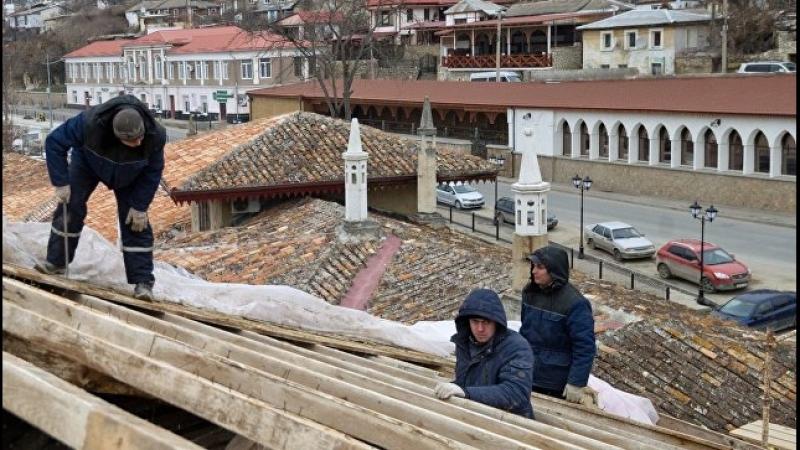Реставраторы Хансарая утверждают, что «спасают» дворец