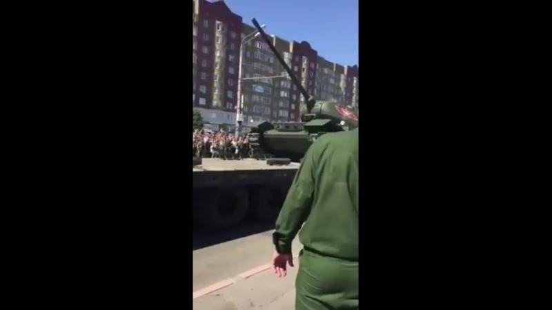 Рассейская армейка лучшая во всем мире и все её очень очень боятся