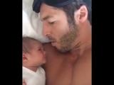Как уложить спать ребенка за 15 секунд.