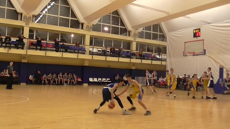 Pull Back, разножка, Spin Move, Crossover Floater