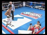 La pelea completa de Omar Narv