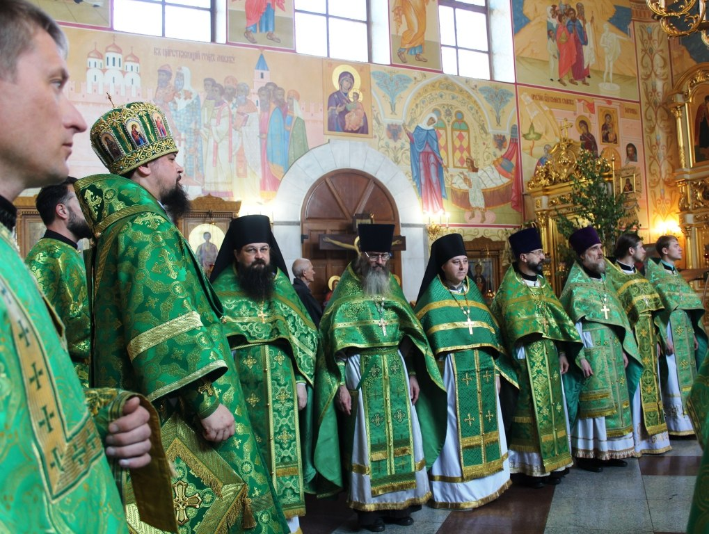 Духовенством Биробиджанской епархии была отслужена соборная литургия в Духов день