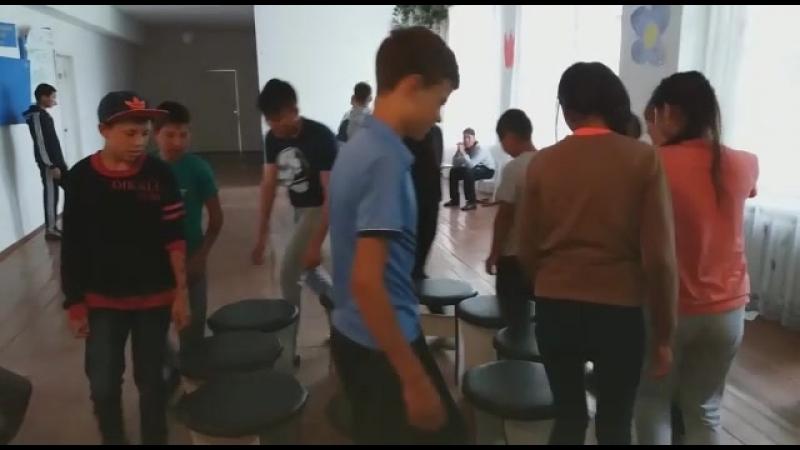 Игра стульчики