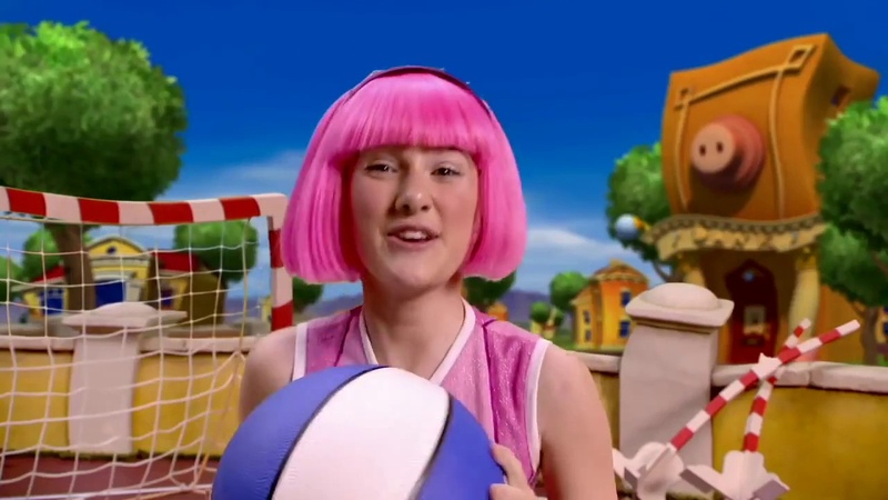 LazyTown but it's time to deliver a pizza ball