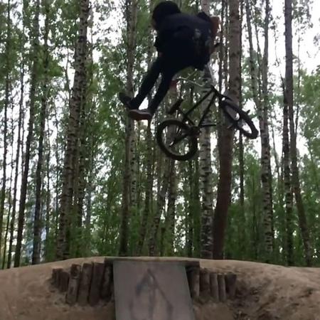 Simone skybike video