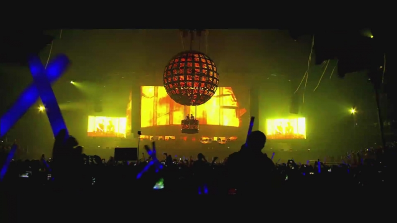 Dimitri Vegas Like Mike - Bringing The World The Madness