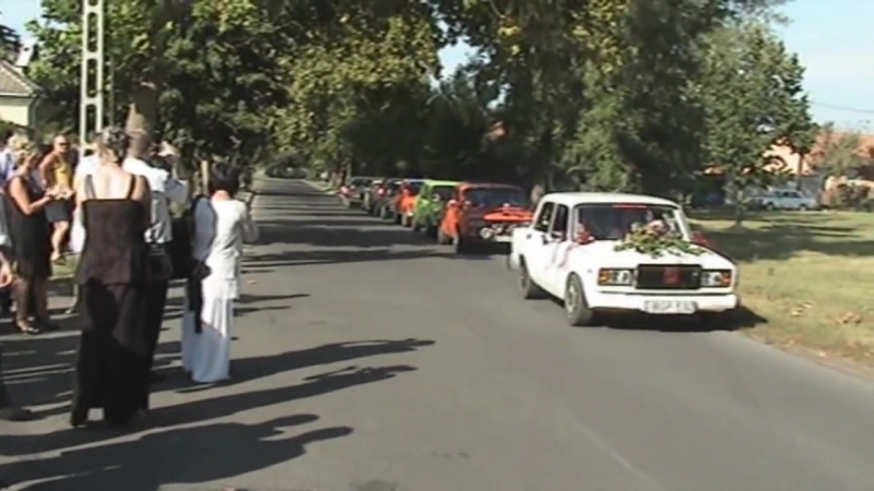 Lada felvonulás az ifjú pár tiszteletére - LADARACING.hu
