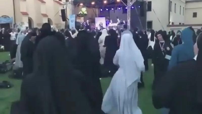 Krakow youth day nuns