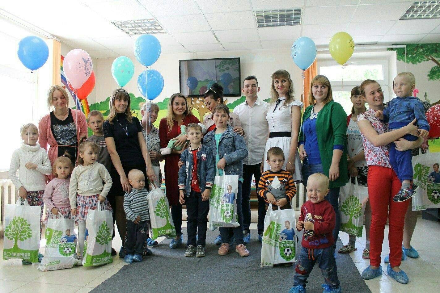 В День защиты детей члены молодежного парламента посетили Кировский район