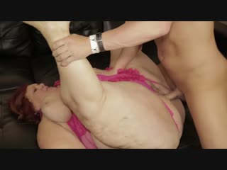 Трахает огромную толстую ssbbw бабулю и кончает в рот | инцест chubby hard milf milky incest legs lesbian big tit bbw ass granny