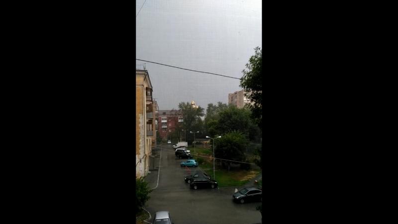 Дoждь гpoм и мoлния