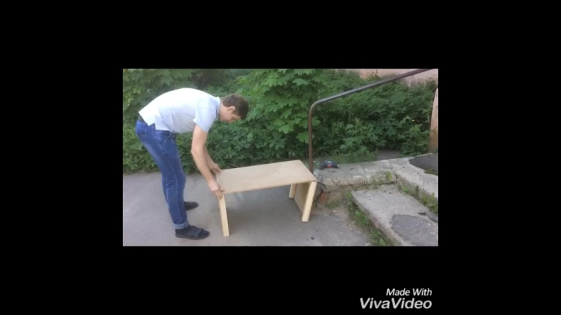 Игорь Танцурин делает ящик для игрушек