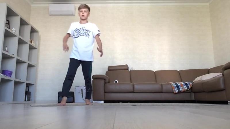 B boy Pauk Обучалка как научиться делать сальто назад