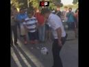 Ростовский полицейский сорвал аплодисменты иностранцев, показав мастерство владения мячом