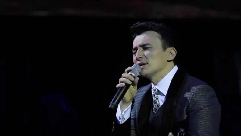 Ulug'bek Rahmatullayev - Siz yig'lamang - Улугбек Рахматуллаев - Сиз йигламанг (concert version).mp4