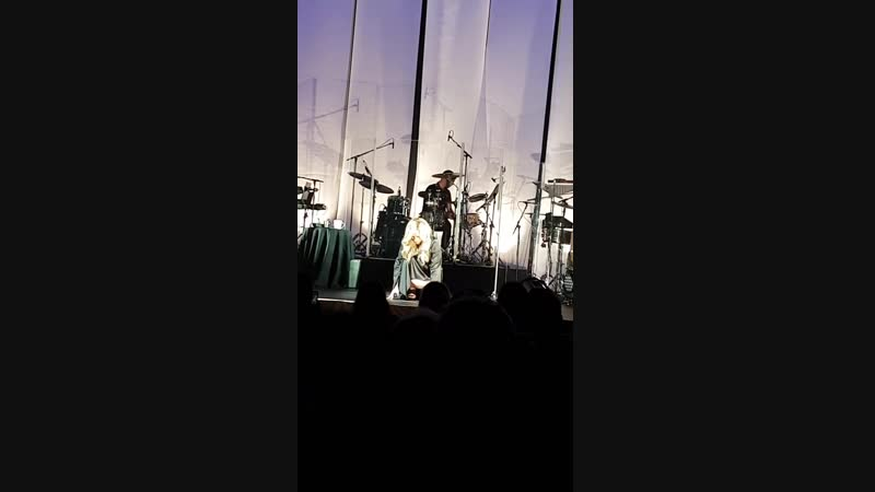 Lara Fabian - Je suis malade - Quebec - 14.10.18
