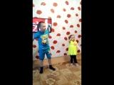 Сын посвящает танец России