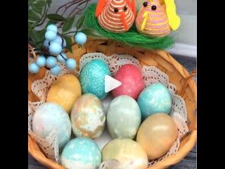 Как правильно сварить яйца и покрасить на Пасху (ингредиенты указаны в описании видео)