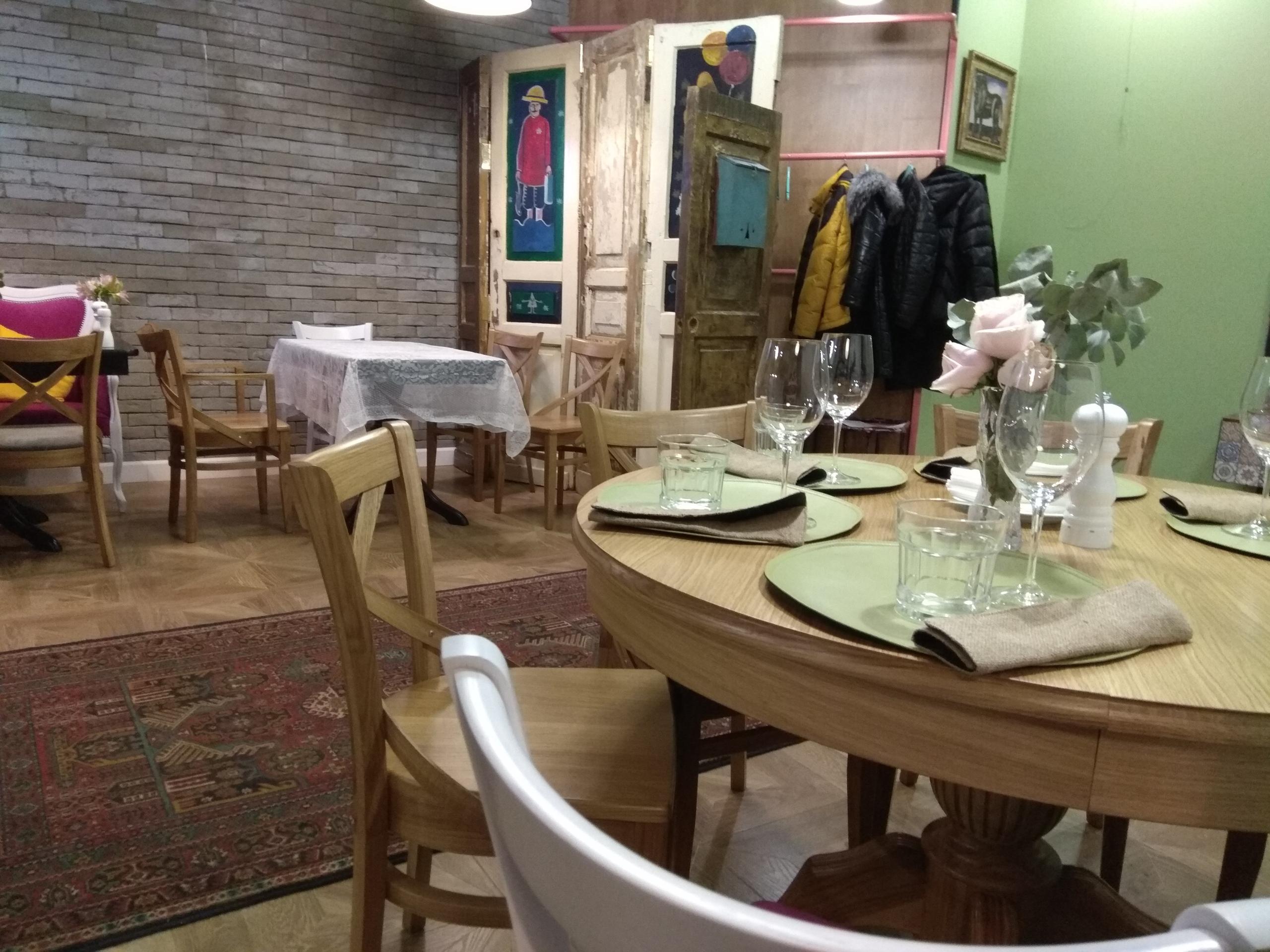 Кафе дом хинкали на художников