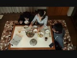 พ่อนั่งอยู่ข้างๆแท้ๆลูกชายขี้เงี่ยนกับแม่ร่านหียังแอบเอากันใต้โต๊ะกินข้าวได้น้ำแตกคาหี - PornYedThai