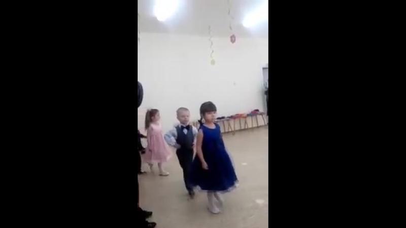 Хулиганами рождаются)