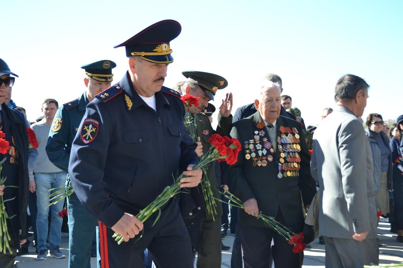 Начальник донского Главка МВД области принял участие в торжественной церемонии закладки Сада Победы