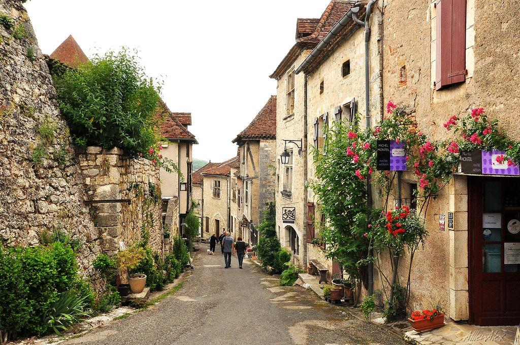 курортов фото французских деревень пегас любит