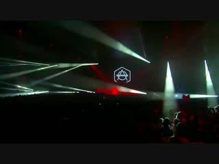 Carta & SMACK - Hit The Deck (feat. Kris Kiis) (Don Diablo Live Mainstage Tomorrowland 2018).mp4