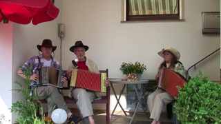 Drunkensailor - Bärentanz - Korobushka - Treffpunkt Veranda mit Handharmonika