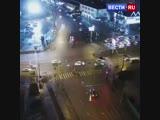 Момент наезда на пешеходов в Тюмени попал на видео.