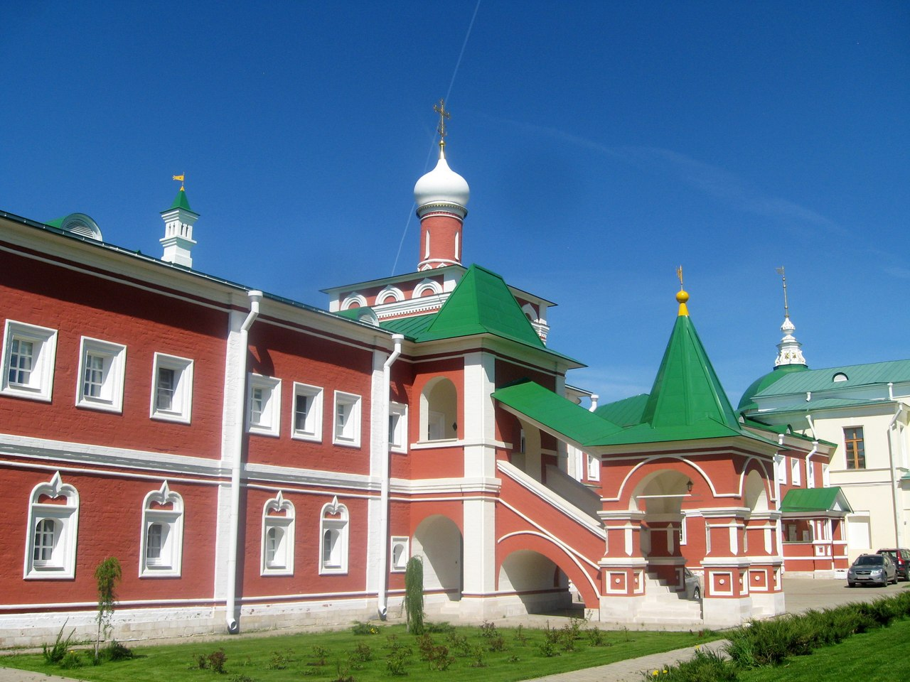 Nikolo-Peshnoshsky monastery. Another fortress of pupils of Sergius of Radonezh monastery, very, monastery, tower, outside, through, monastery, monasteries, side, fortress, because, Radonezh, walls, architecture, fortress, tower, Sergius, Next, simple, towers