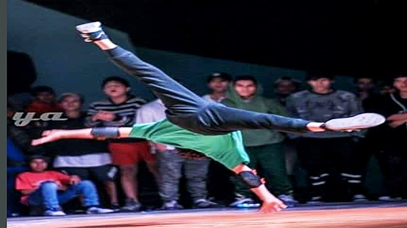 BBOY ALEXIS TRAILER 11 YEARS OLD POWERMOVES FROM PERU