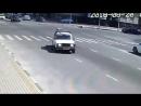 Нападение на полицейских в Грозном. Боевик сбивает на большой скорости сотрудника ГИБДД на площади Минутка. Спустя несколько мин