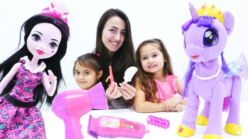 My Little Pony ve Monster High güzellik salonunda