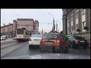 Пьяный челябинец залез в чужую машину на перекрестке