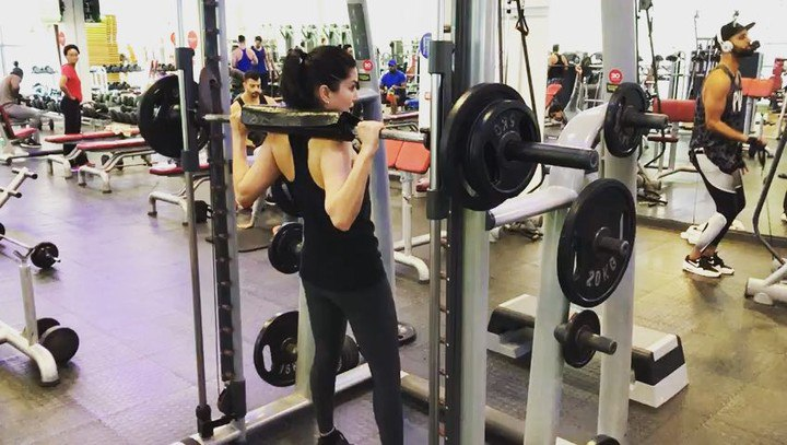 """Sunny Leone on Instagram: """"Ok he added more weights and I seriously thought my legs were going to fall apart! @lian_wentzel"""""""