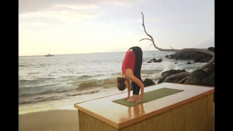 Nicki Doane - 20 min Vinyasa yoga - Back bending flow