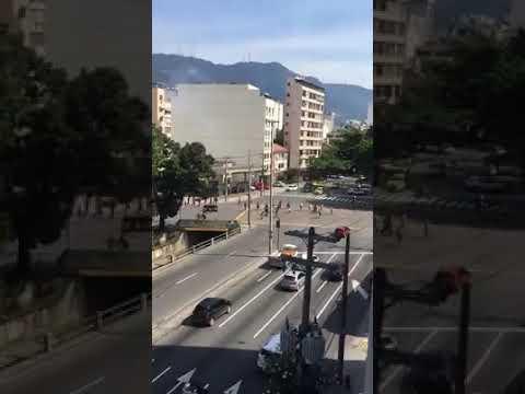 BRIGA DE TORCIDAS FLAMENGO LADO ESQUERDO X FLUMINENSE LADO DIREITO