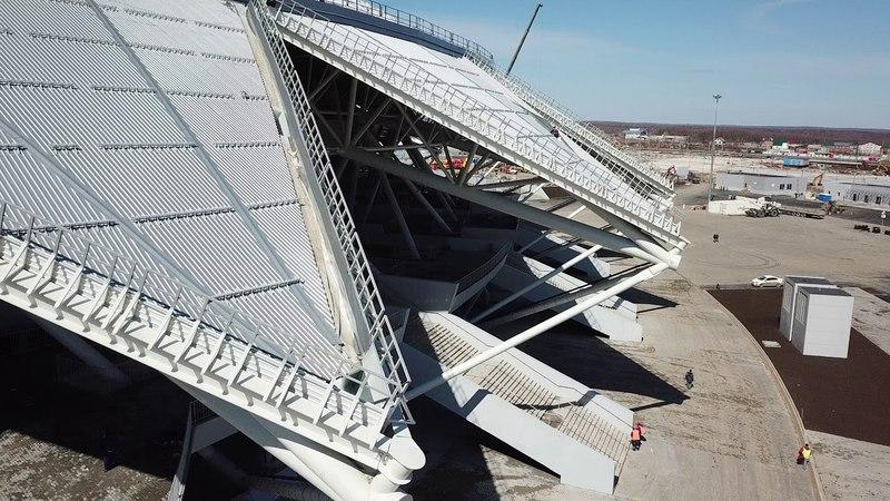 Стадион Самара Арена 21.04.2018 Поле готово,приступили к посадке ЗЕЛЕНЫХ деревьев
