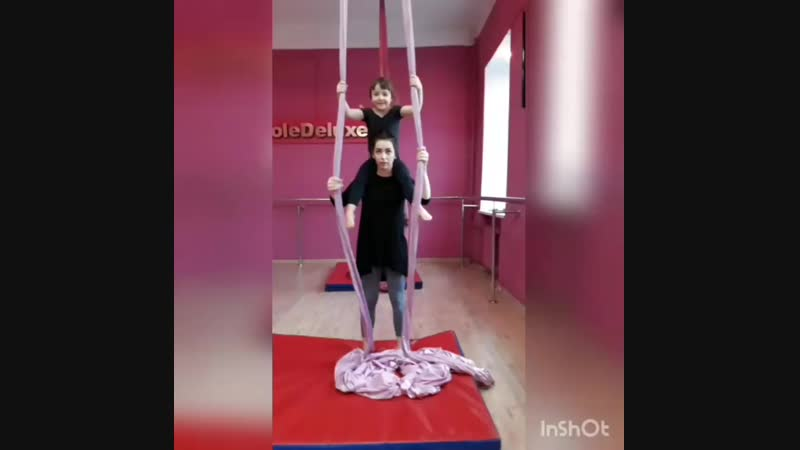 Детская цирковая студия Амадина, воздушная акробатика-дети