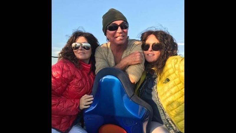 Отличного отпуска и приятного отдыха, Валерий Леонтьев и сёстры Роуз! Miami, January 2019