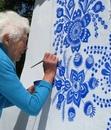 90-летняя жительница чешской деревни Anežka Kašpárková стремится сделать свою малую родину…