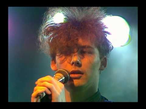 The Jesus and Mary Chain - Live on The Tube, 1985
