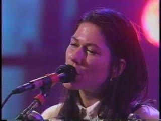 The Breeders — MTV Live n Loud 1993 (01) Divine Hammer (02) Cannonball