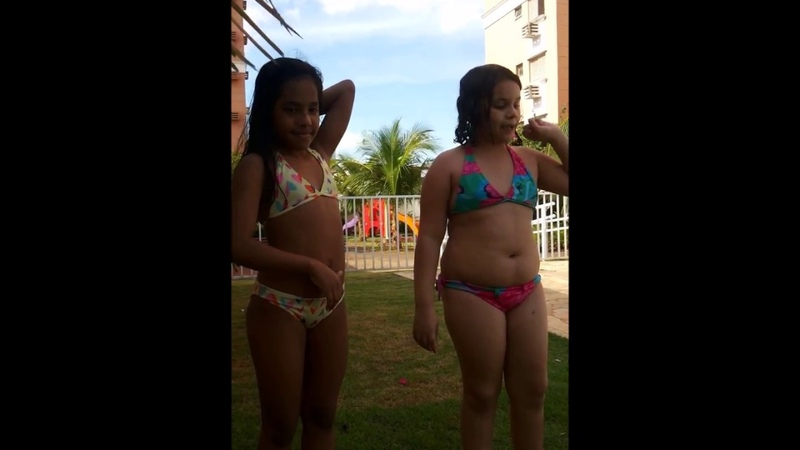 Desafio na piscina com a minha amiga Anny :D assistam até o final